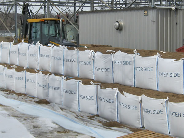 Big Bags USA @MrBigBagsUSA One Big Bags USA protective flood barrier system is a connected 5 bag system that replaces regular sandbags, times faster and using 52% less sand.